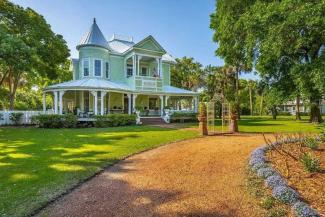 8 Beautiful Historical Houses Currently For Sale in Northwest Florida
