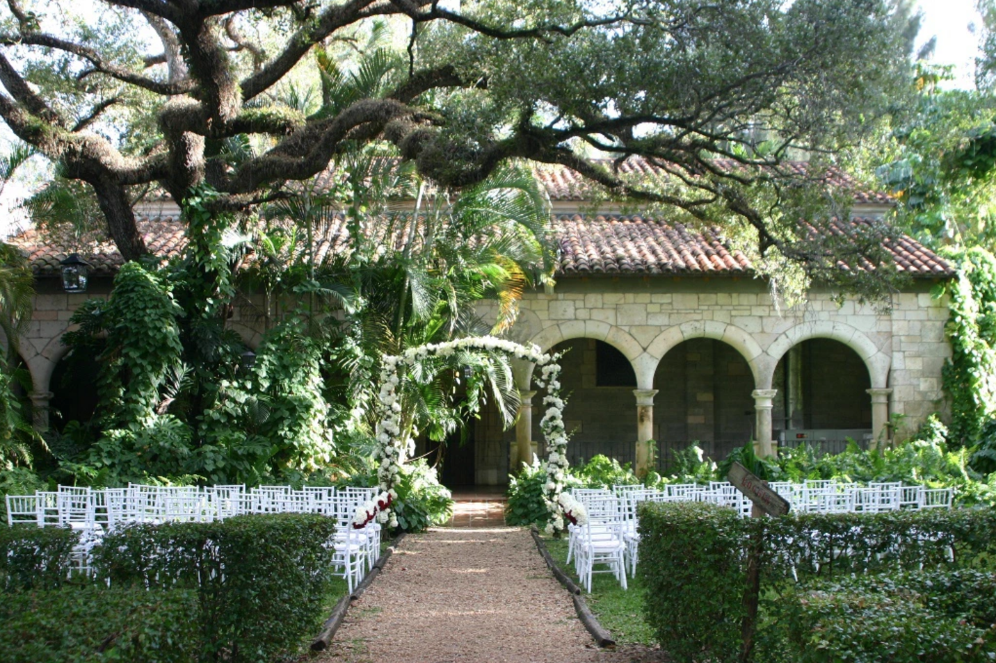 12 south east florida wedding venues to make your wedding for Unique wedding venues north east