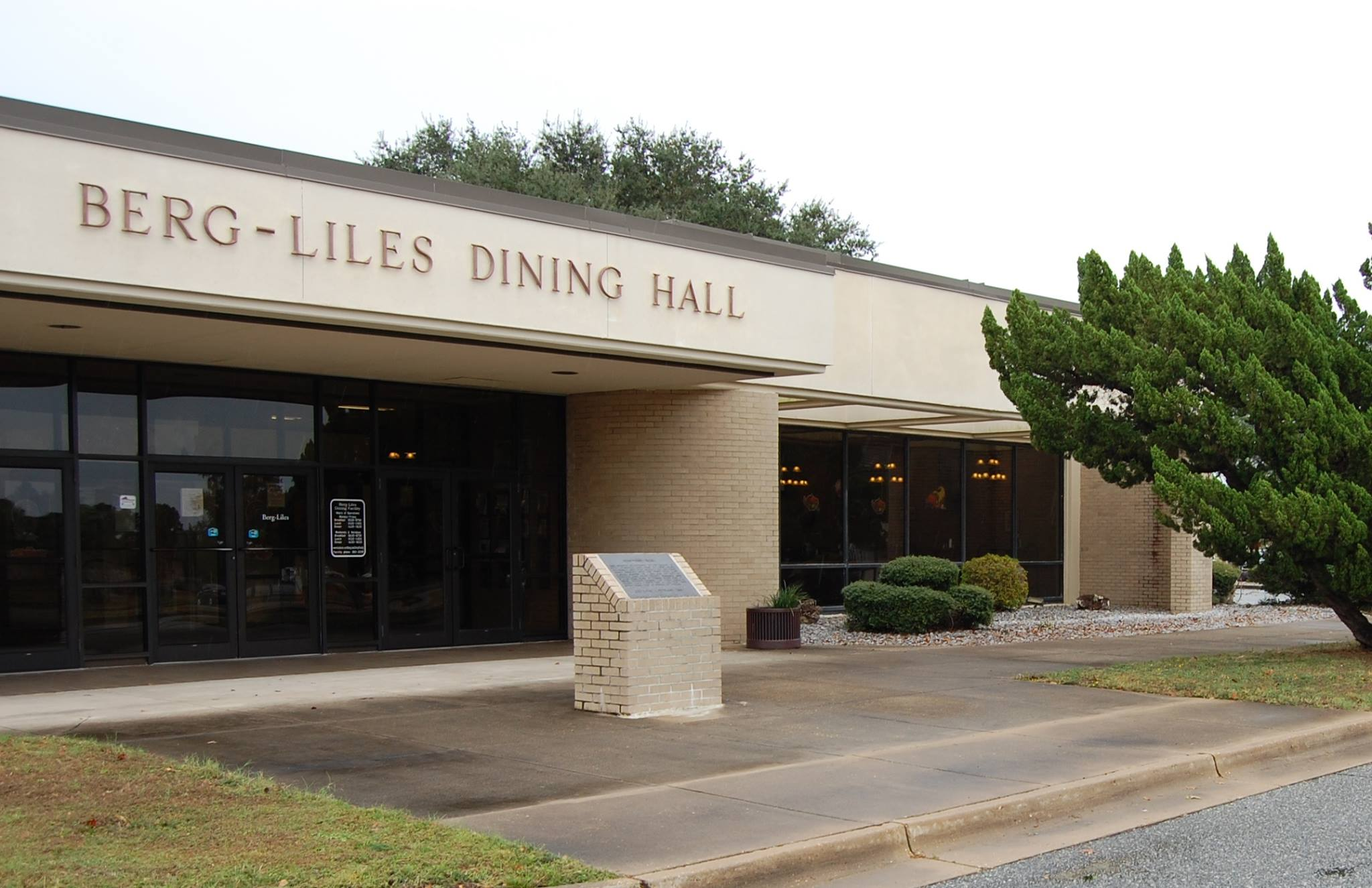 The Berg-Liles Dining Facility, Tyndall AFB