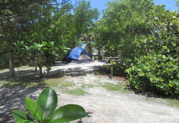 tent on island