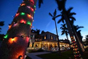 Holiday Nights at the Edison and Ford Winter Estates