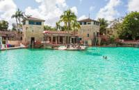 Amazing Florida Pools You Can Visit