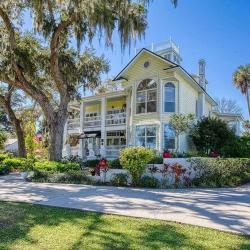 11 Beautiful Historic Houses For Sale in Central East Florida Right Now